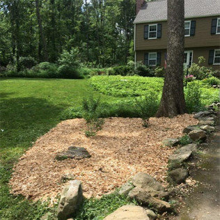 local landscaper in Bethany and Woodbridge, CT